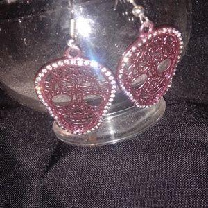 Jewelry - Feligree skull earrings